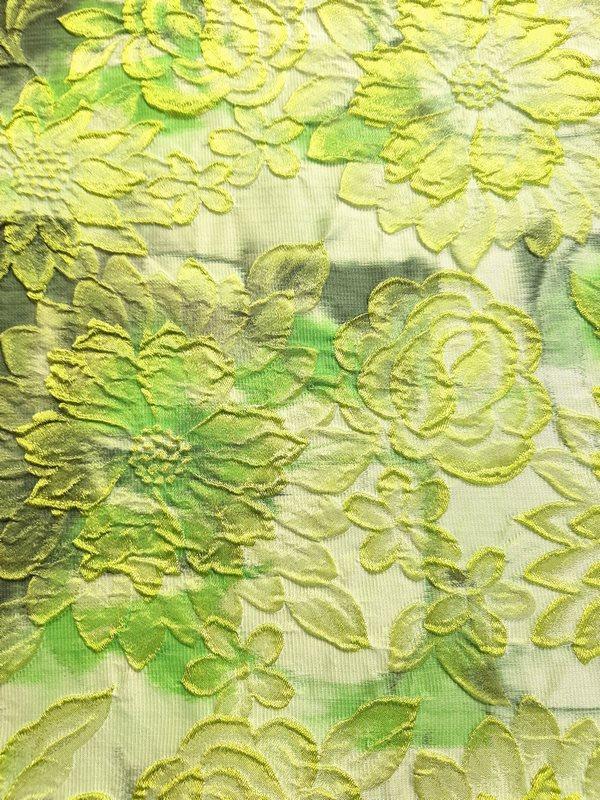 0221-1517-tkanina-brokat-brokati